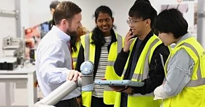 Educational visit of students of WMG, University of Warwick